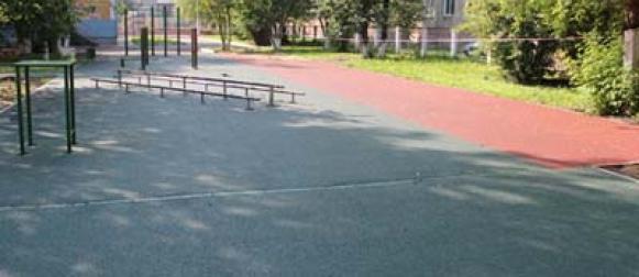 В общеобразовательных учреждениях города Красноярска начались работы по подготовке к новому учебному году, завершить их необходимо в течение месяца