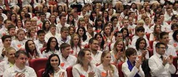 Выпускники Красноярского медицинского университета принесли Клятву врача России
